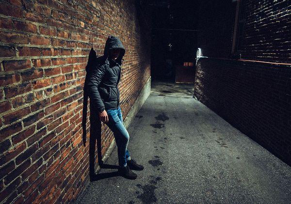 В Тольятти поймали двух грабителей, отнимавших у женщин кольца | CityTraffic