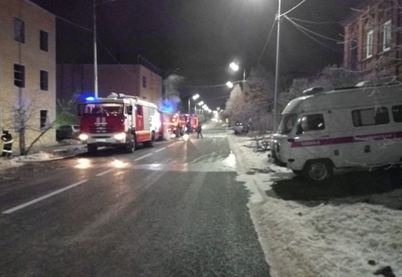 Два человека погибли в результате пожара в частном доме в Сызрани | CityTraffic