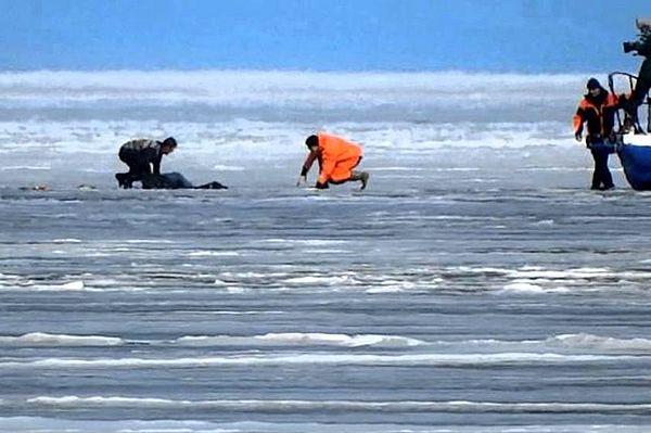 В Самарской области два рыбака провалились под лед, один погиб | CityTraffic