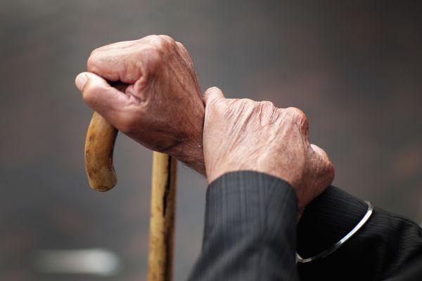 В Самарской области увеличат размер пособия опекунам, ухаживающим за одинокими пенсионерами и инвалидами | CityTraffic