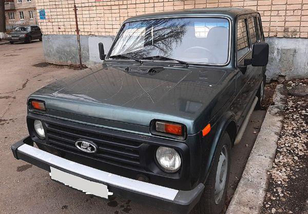 Неадекватные люди портят чужие автомобили в Тольятти | CityTraffic