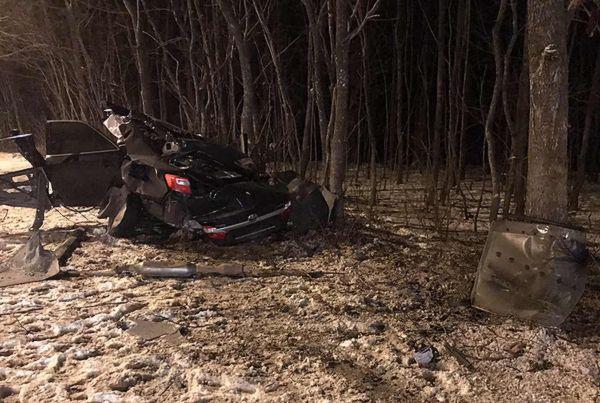 """В Самаре """"Тойота"""" врезалась в столб и в дерево, погибла девушка: видео   CityTraffic"""