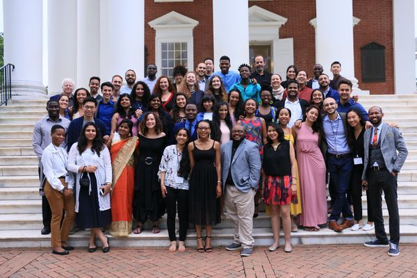 Далай-лама предлагает стипендию молодым лидерам