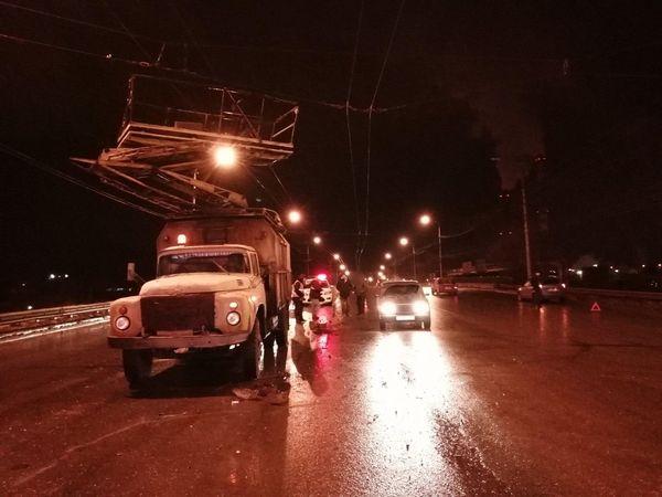 В Тольятти водитель въехал в ЗИЛ-телевышку и скрылся | CityTraffic