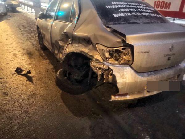 """В Самаре два такси Uber столкнулись возле """"Трех оленей""""   CityTraffic"""