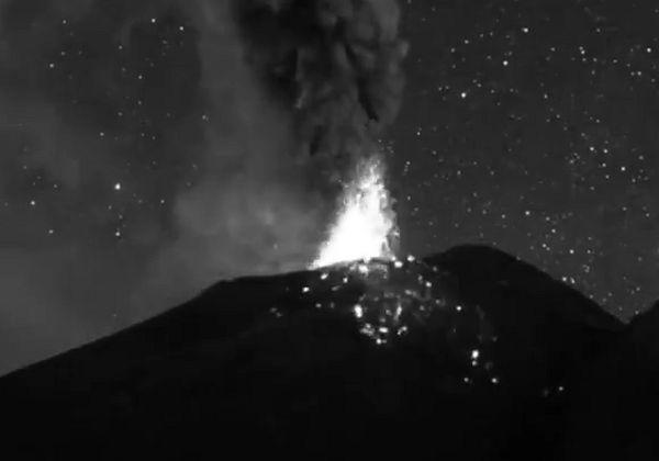 Потрясающее зрелище извержения вулкана Попокатепетль попало на видео | CityTraffic