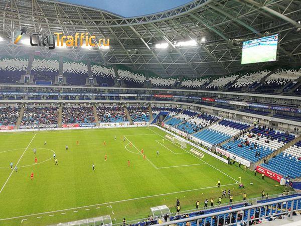 Болельщики с фанатских трибун покинули матч «Крыльев Советов» с «Уралом» | CityTraffic