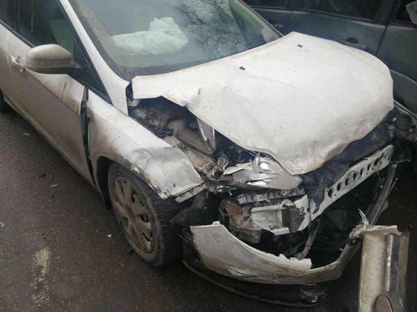 В Самаре столкнулись две иномарки, один водитель попал в больницу | CityTraffic