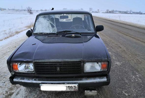 В Самарской области водитель вазовской легковушки насмерть сбил пешехода | CityTraffic