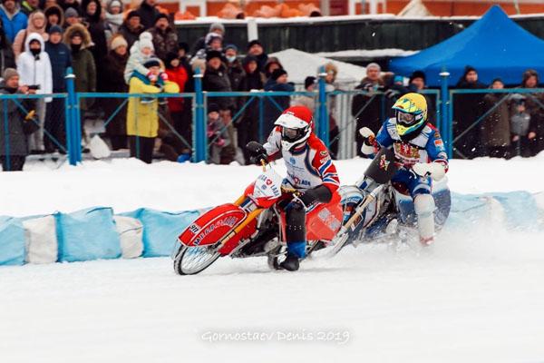 Представители тольяттинской «Мега-Лады» взяли серебро и бронзу Чемпионата России по мотогонкам на льду | CityTraffic
