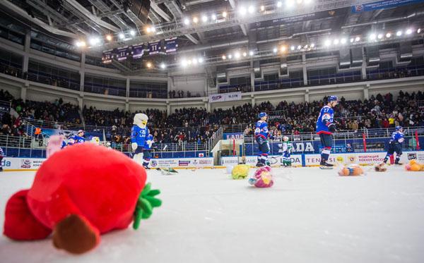 В Тольятти хоккейным болельщикам предлагают завалить мягкими игрушками  лед на «Лада-Арене» | CityTraffic