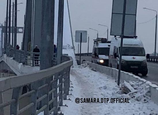 В Самаре, упав с Фрунзенского моста, насмерть разбился мужчина | CityTraffic