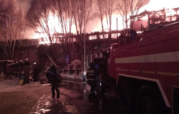 В Самаре на улице Георгия Димитрова полыхает ресторан: видео | CityTraffic