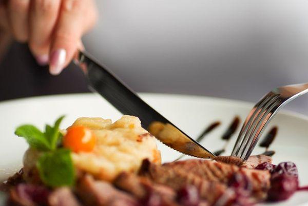 Что опасно есть в ресторане и что делать, если отравились | CityTraffic