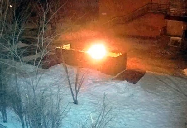 Поджигатель мусора из Тольятти снова взялся за свое: видео