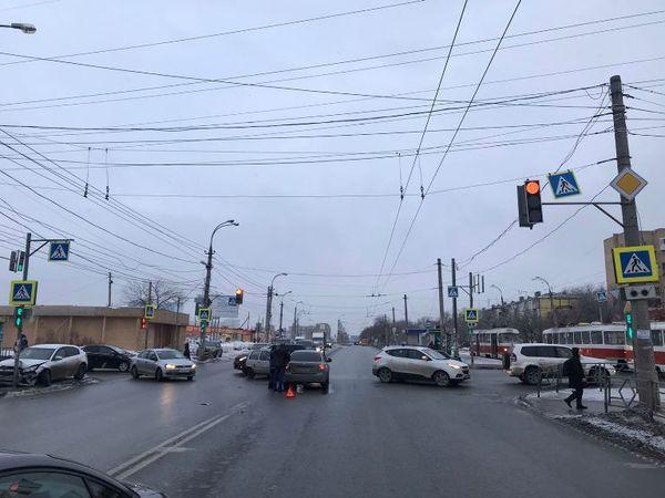 Грудной ребенок пострадал в столкновении 3 автомобилей в Самаре | CityTraffic