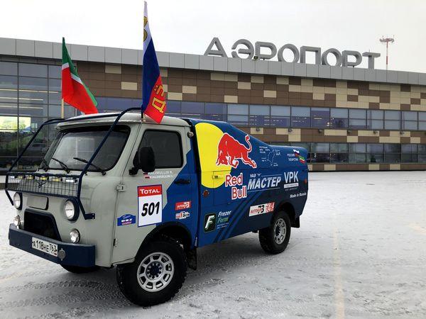 Автовладелец из Тольятти своими руками построил копию гоночного КАМАЗа: видео | CityTraffic