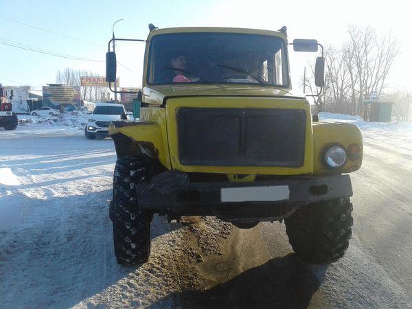 В Самарской области пострадала водитель легковушки, в которую врезался грузовик   CityTraffic