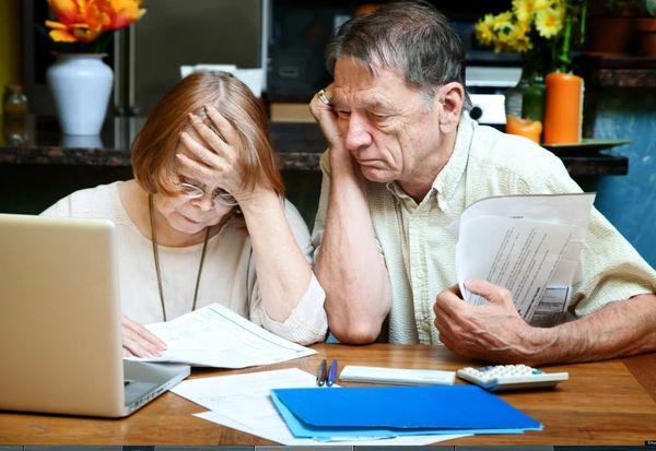 Россияне требуют прекратить забирать пенсию у работающих пенсионеров | CityTraffic