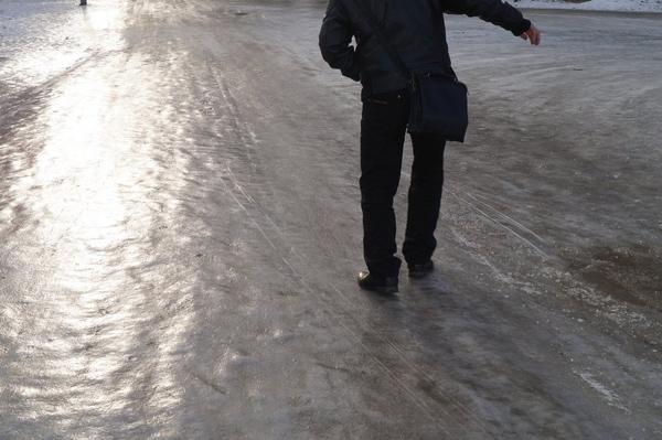 В Самаре МП «Благоустройство» получило представление от прокуратуры за наледь на тротуарах | CityTraffic