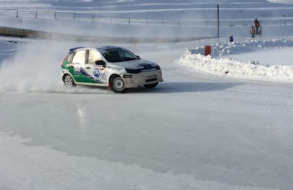 Дмитрий Брагин вновь победил вледовых автогонках вТольятти