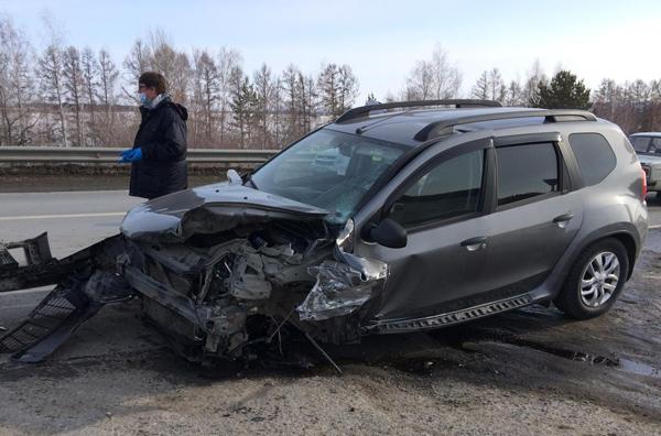 На автодороге «Волжский-Курумоч» водитель «Лады» не пропустил «Ниссан», пострадали 3 человека   CityTraffic