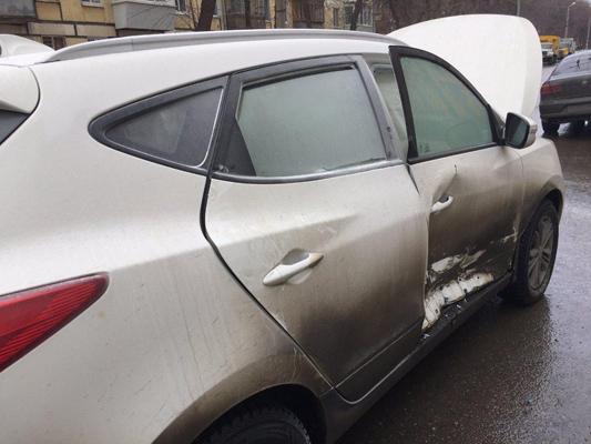 В Самаре столкнулись легковушки, водители которых пытались проехать перекресток на «желтый»   CityTraffic