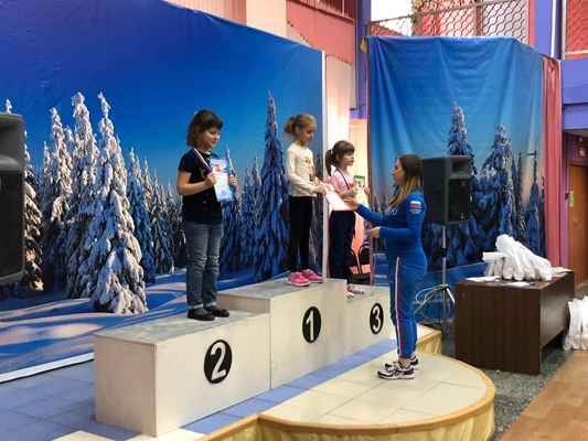 В Тольятти представители ЛДПР вручили подарки юным участникам спортивного праздника   CityTraffic