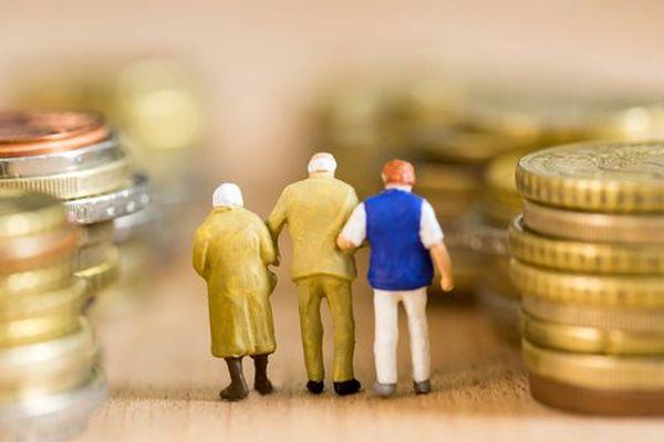 По мнению жителей Самары, достойной является пенсия в размере 37800 рублей | CityTraffic