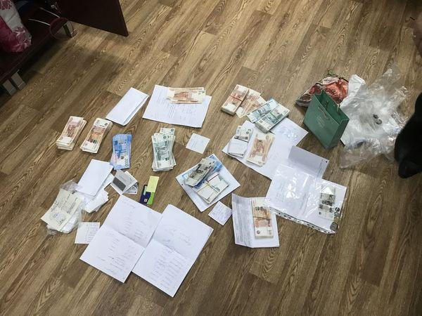 В Самарской области заказчик не принимал у строителей работу, пока они не принесли ему 200 тысяч рублей взятки | CityTraffic