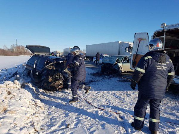 Двое взрослых погибли, ребенок в тяжелом состоянии после аварии на трассе М-5 в Самарской области | CityTraffic