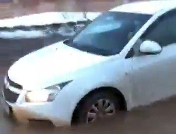 В Самаре затопило Заводское шоссе: видео | CityTraffic