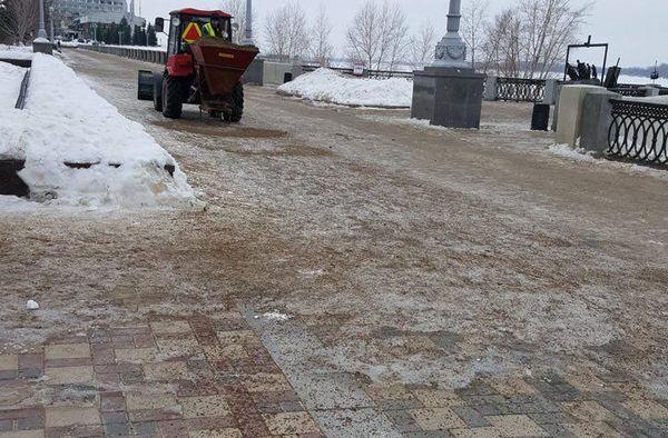 Жители Самары возмутились грязью на набережной | CityTraffic