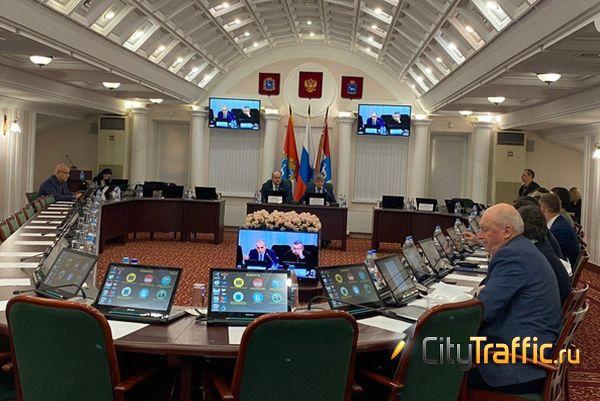 Депутаты Думы Самары обратили внимание чиновников на рекламу на припаркованных автомобилях   CityTraffic