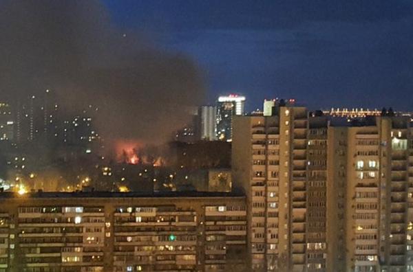 В Самаре ликвидировали пожар на площади 300 квадратных метров в здании на Чернореченской | CityTraffic