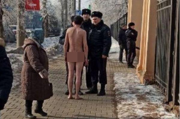 В Самаре на митинг КПРФ пришли голые люди   CityTraffic