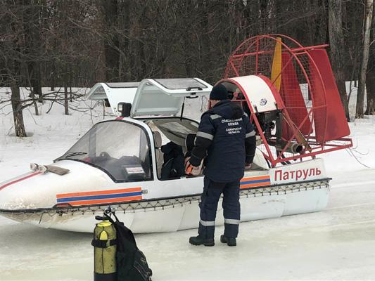 В Самарской области с семиметровой глубины спасатели подняли тело утонувшего рыбака | CityTraffic
