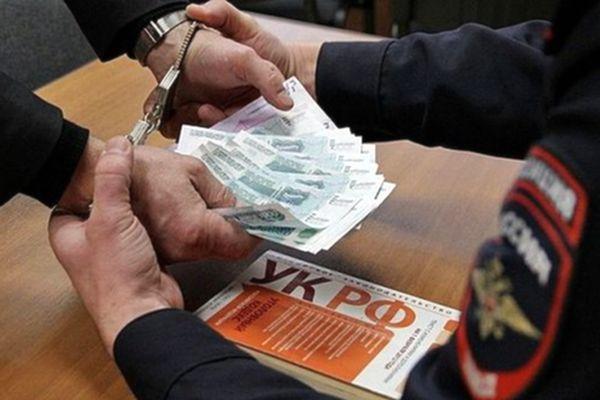 В Сызрани бывший лейтенант полиции получил условный срок за взятку | CityTraffic