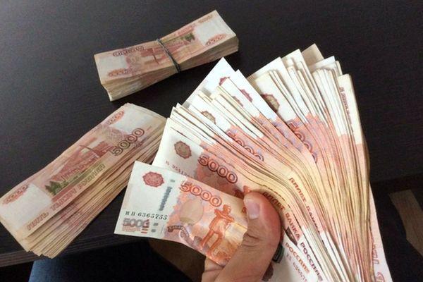 Для счастливой жизни в самоизоляции россиянам нужно вдвое меньше денег, чем до введения ограничений | CityTraffic