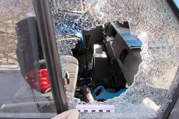 Житель Жигулевска с молотком обворовывал автомобили по утрам | CityTraffic