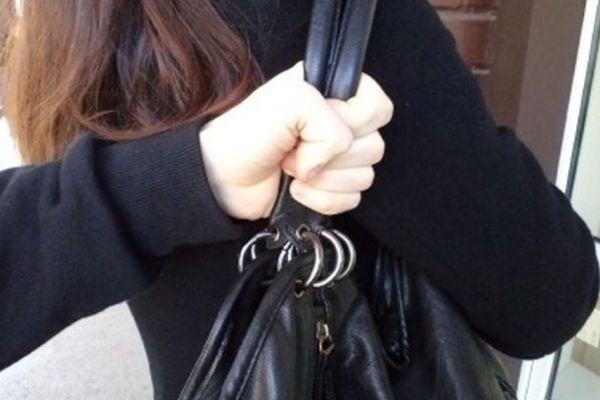 Житель Тольятти избил женщину и похитил у нее ноутбук с телефоном | CityTraffic