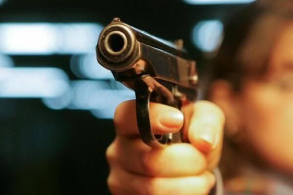 В Тольятти трижды стреляли в полицейского | CityTraffic