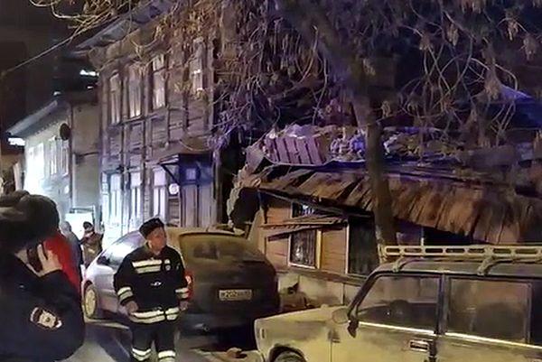 В МЧС заявляют, что стена дома в Самаре на Арцыбушевской рухнула из-за ветхости   CityTraffic