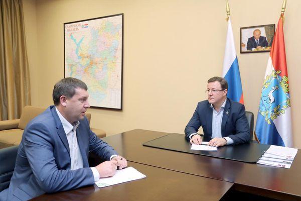 Дмитрий Азаров послал мэра Жигулевска в народ | CityTraffic