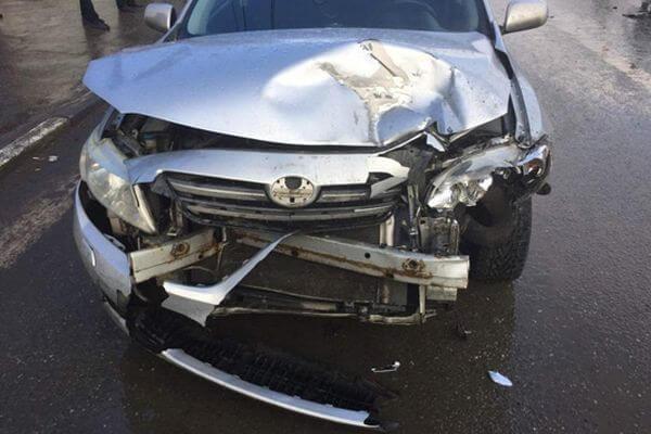 """В Самаре """"Форд"""" ударил """"Тойоту"""" - оба водителя попали в больницу   CityTraffic"""