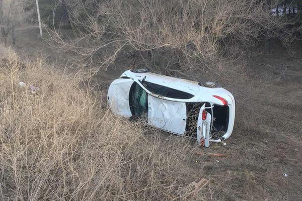 В Тольятти водитель иномарки съехал с дороги и перевернулся | CityTraffic