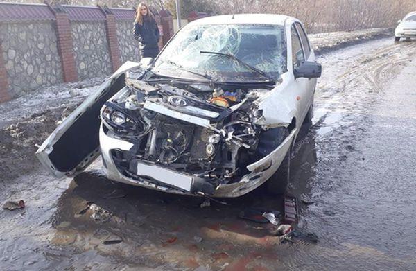 """В Тольятти девушка на """"Калине"""" сбила пешехода и врезалась в """"ГАЗель""""   CityTraffic"""