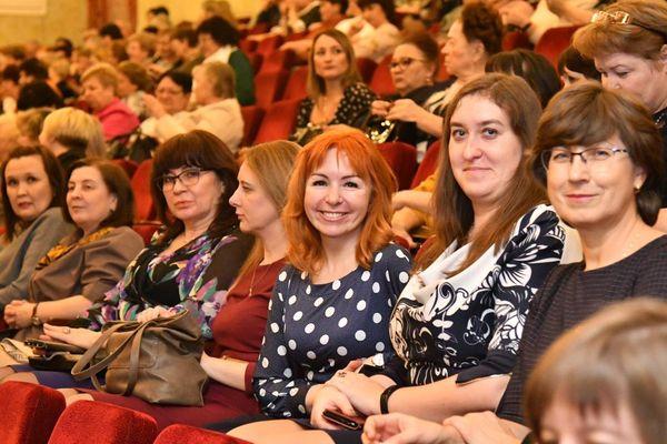 Глава Самарской области приехал на АВТОВАЗ, чтобы поздравить женщин с наступающим праздником | CityTraffic