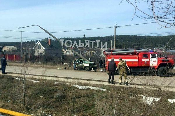"""В Тольятти """"Калина"""" снесла фонарный столб   CityTraffic"""