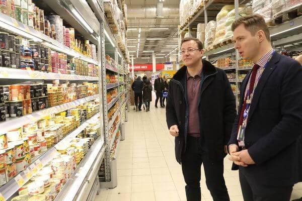 Глава Самарской области побывал в магазинах и убедился, что пустых полок нет | CityTraffic